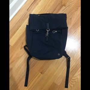 Lululemon backpack 17L